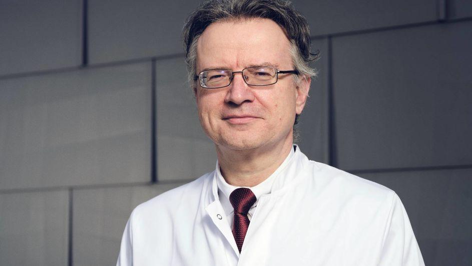 """""""Mit der positiven Evaluierung haben wir die Unterstützung der EU gesichert und einen sehr guten Zwischenstand erreicht"""", sagt Prof. Dr. Robert Franke, Projektkoordinator des Gesamtprojekts MACBETH und Leiter der Hydroformylierungsforschung bei Evonik."""